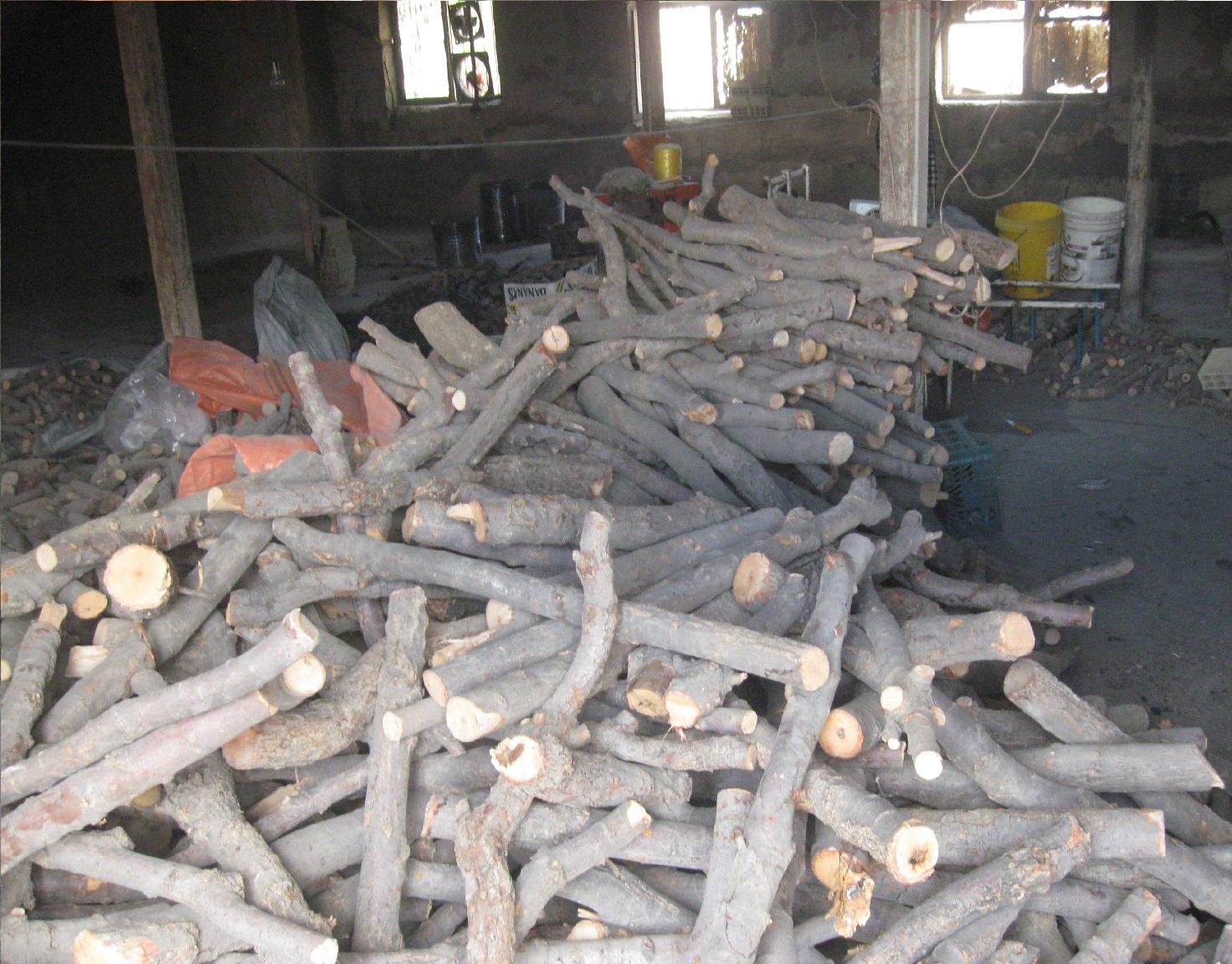 کشف و ضبط چهار تن چوب آلات قاچاق